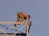 Homem ameaça se jogar de torre de energia no interior de São Paulo