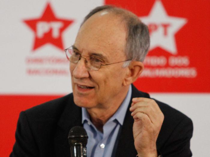 Rui Falcão, líder do PT (Daia Oliver/R7)